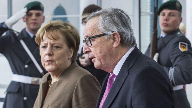 Migrants: Angela Merkel reçoit le soutien de Jean-Claude Juncker