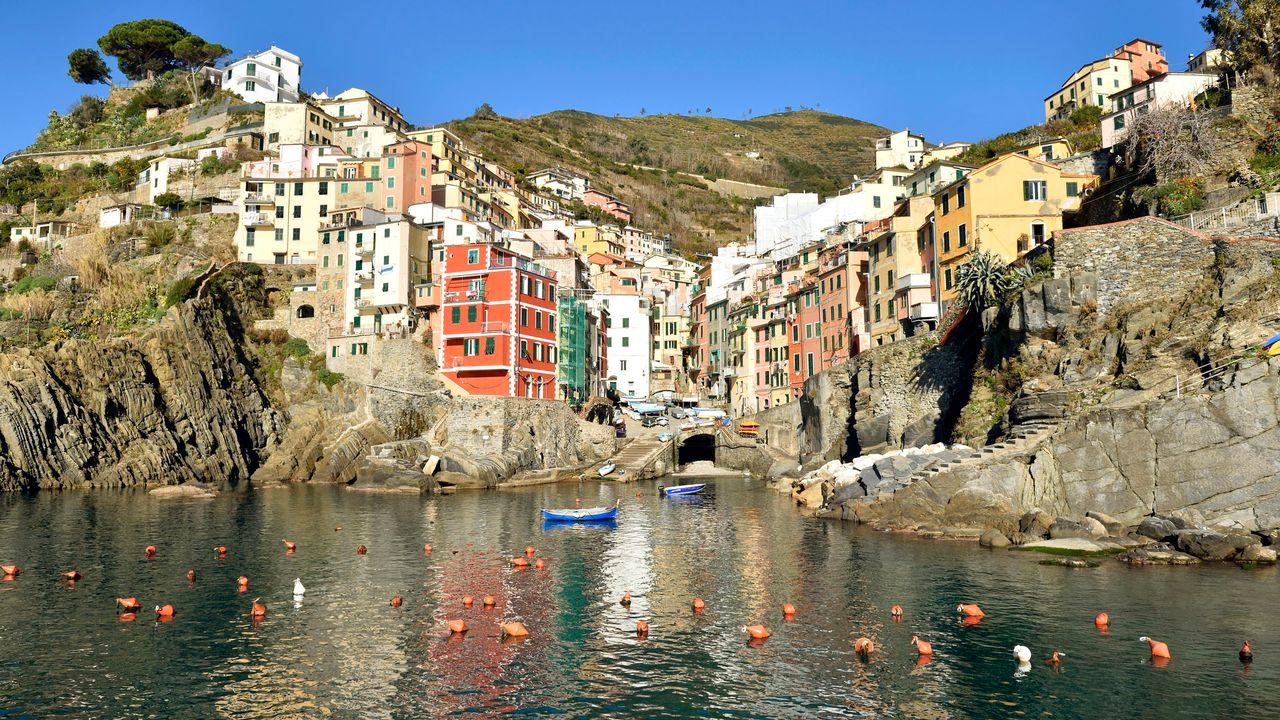 Le parc national italien des Cinque Terre, en Ligurie, est listé au patrimoine mondial de l'Unesco. [René Mattes - Hemis.fr]