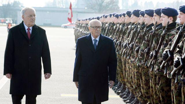 Le président tunisien a atterri à l'aéroport de Zurich où Johann Schneider-Ammann l'a accueilli avec les honneurs militaires. [EPA/WALTER BIERI - Keystone]