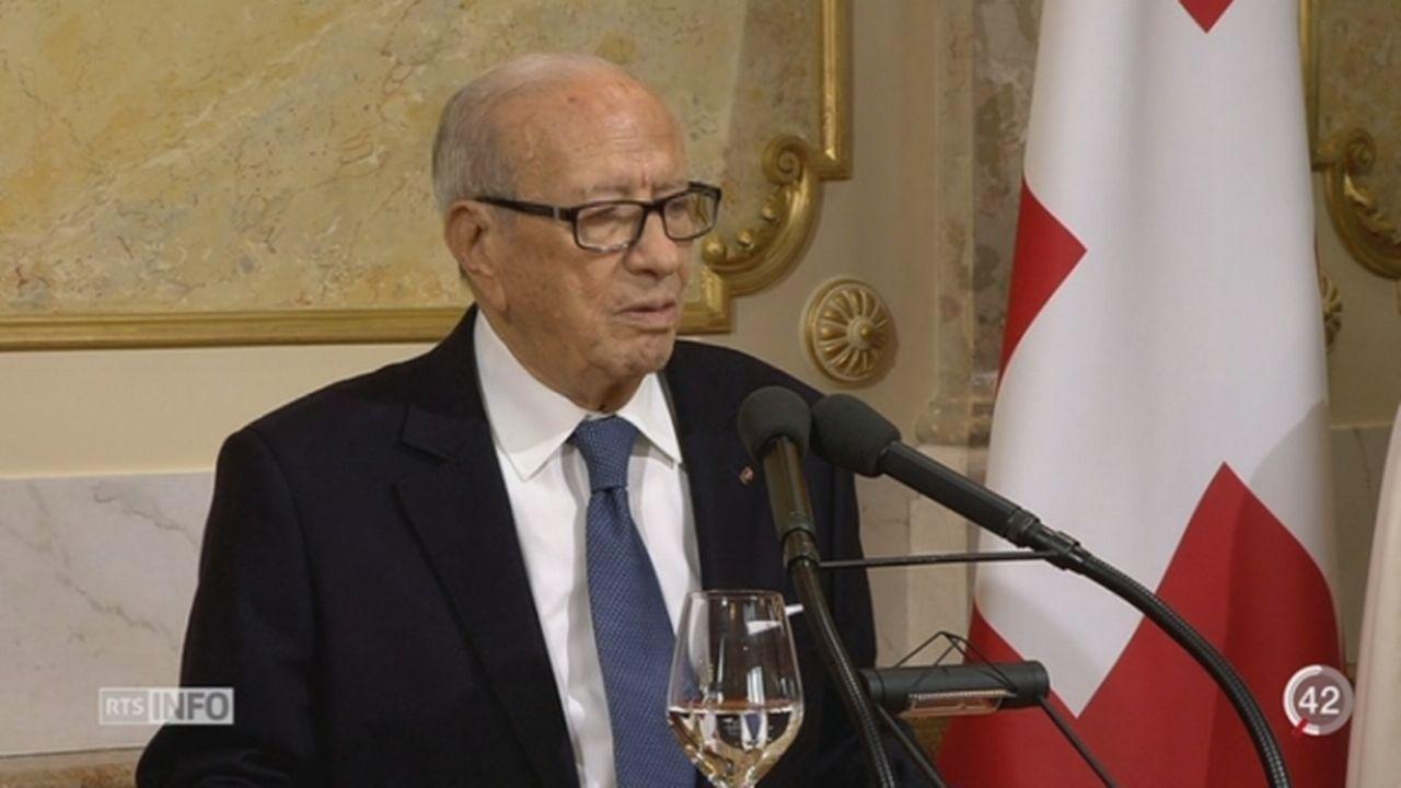 Le président tunisien Béji Caïd Essebsi intègre par erreur la Suisse dans l'UE [RTS]