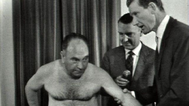 Présentation d'un cas clinique à la télévision, 1963. [RTS]