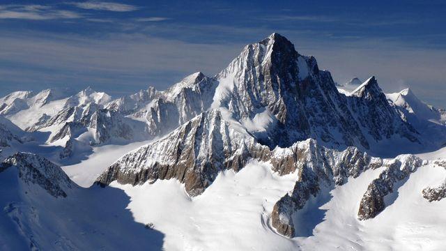 Les Alpes bernoises. [Alps - D.P.]