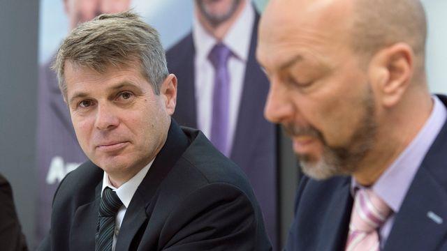 Le socialiste Christoph Ammann (à gauche) est le seul à avoir été élu au premier tour au Conseil-exécutif bernois. [Lukas Lehmann - Keystone]