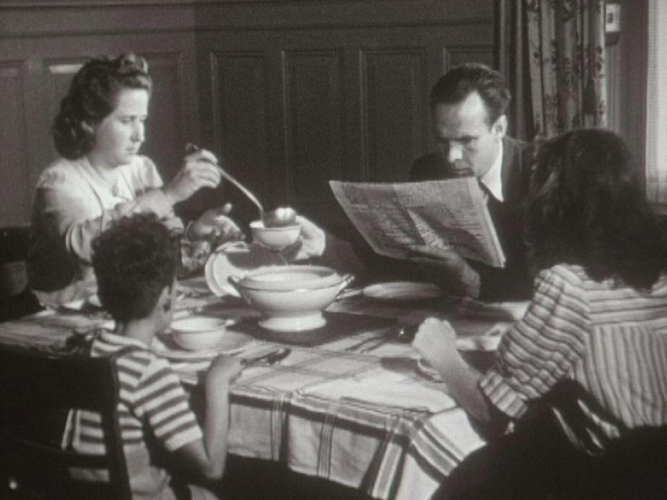 Une journée dans la vie d'une femme suisse en 1945. [RTS]
