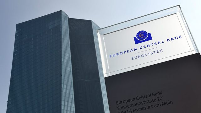 La BCE a bien du mal à faire redécoller l'économie et à relancer l'inflation. [Arne Dedert - EPA/Keystone]