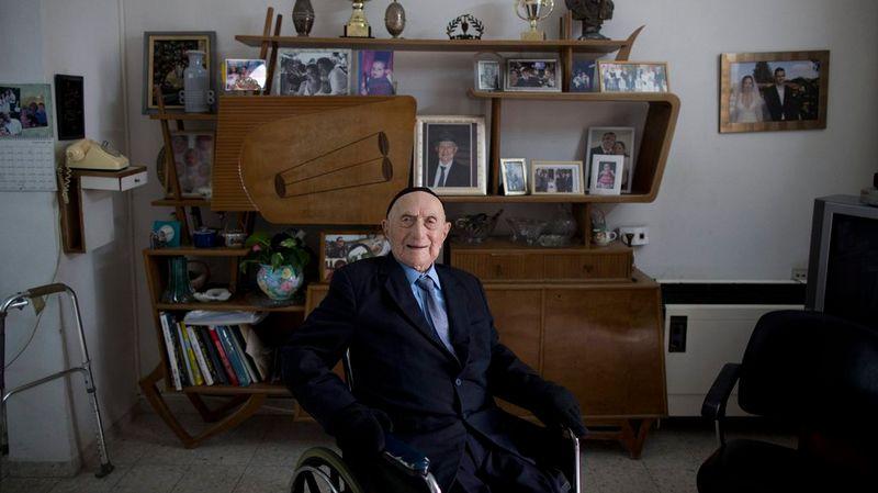 L Homme Le Plus Vieux Du Monde Est Decede A L Age De 113 Ans En