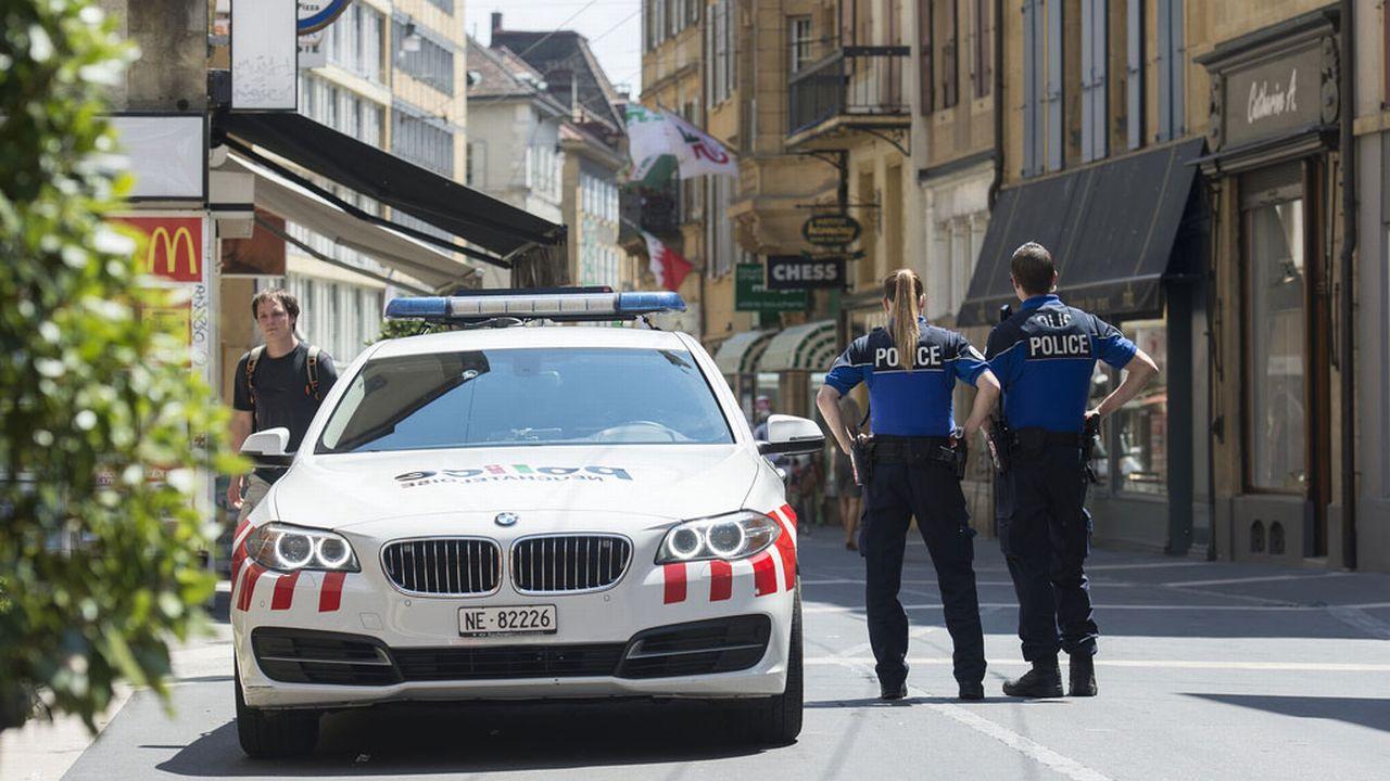 Face à un phénomène qui touche notamment le centre-ville de Neuchâtel, la police a mis sur pied l'opération Narko en 2014. [Sandro Campardo - Keystone]