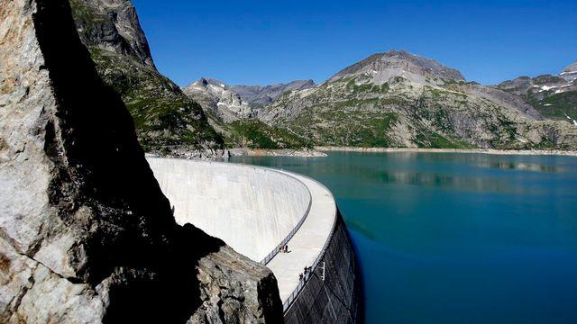 Le Valais met l'accent sur la production des énergies renouvelables (ici, le barrage d'Emosson). [Jean-Christophe Bott - Keystone]
