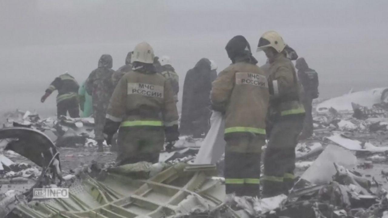 Les images du site du crash de l'avion de FlyDubai [RTS]