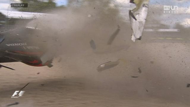Course: gros accident entre Fernando Alonso (ESP) et Esteban Gutierrez (MEX) qui s'en sortent indemne [RTS]