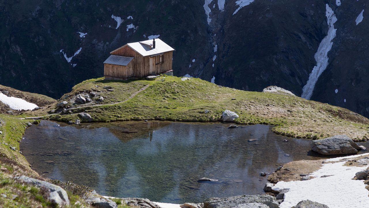 La météo n'a pas été favorable à la fréquentation des cabanes de montagne. [Arno Balzarini - Keystone]