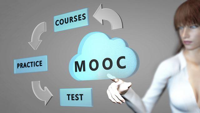 Les MOOCs [© Yabresse - Fotolia]