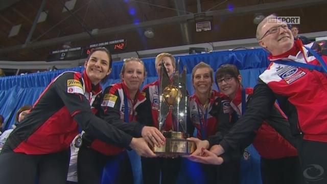 finale dames, Suisse - Japon (9-6): la joie de l'équipe de Suisse devant les Japonaises 2e et les Russes 3e [RTS]