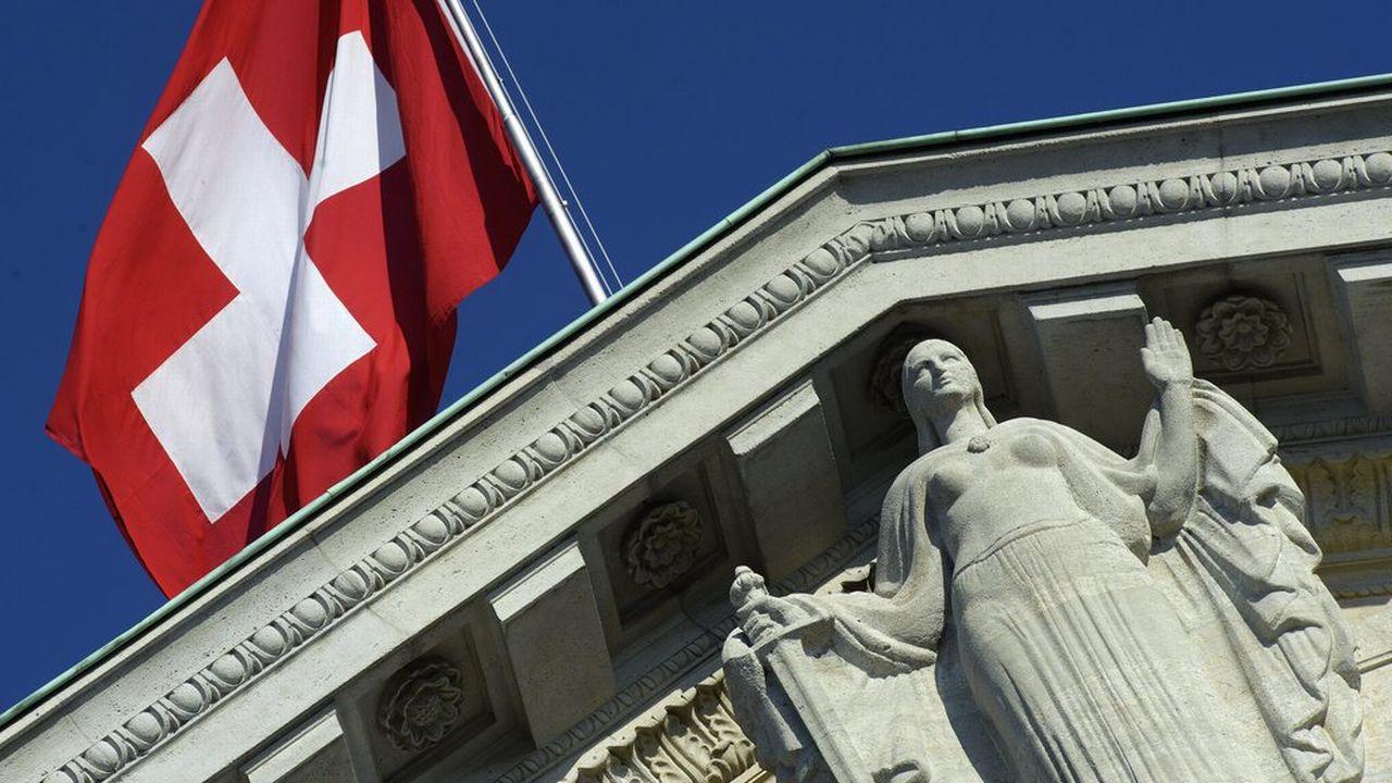 Y a-t-il de la place en Suisse pour un nouveau parti d'extrême droite?  [Laurent Gilliéron - Keystone]
