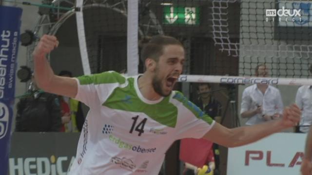 Finale messieurs, Volley Näfels – Lausanne UC (18-25-25-23-25-21-25-20): victoire surprise de Näfels [RTS]