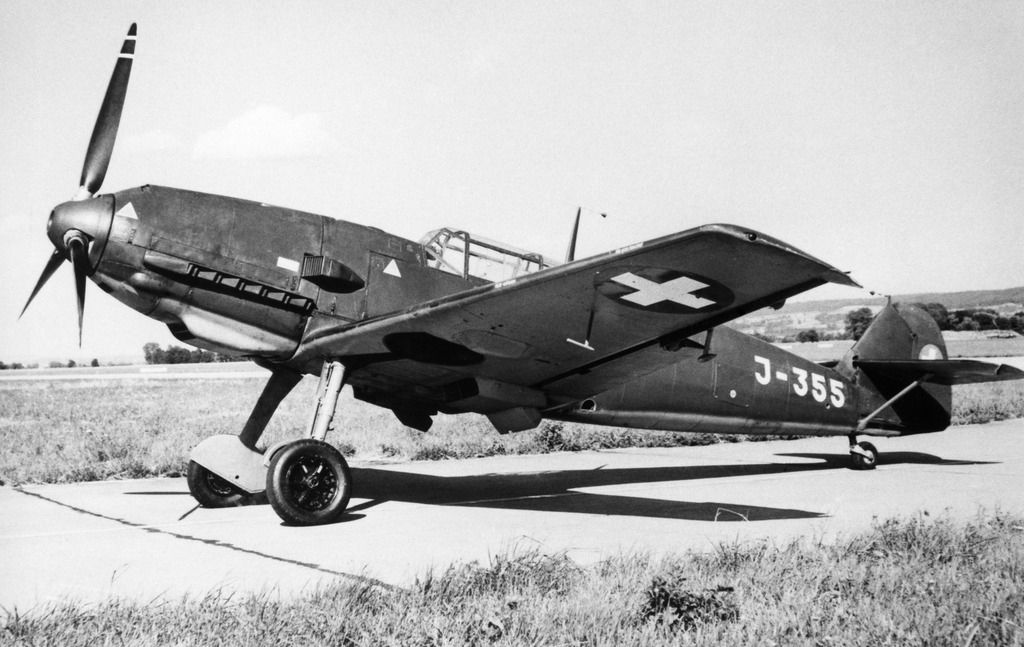 Un Messerschmitt Bf 109 - E de la Swiss Air Force au cours de la Seconde Guerre mondiale.