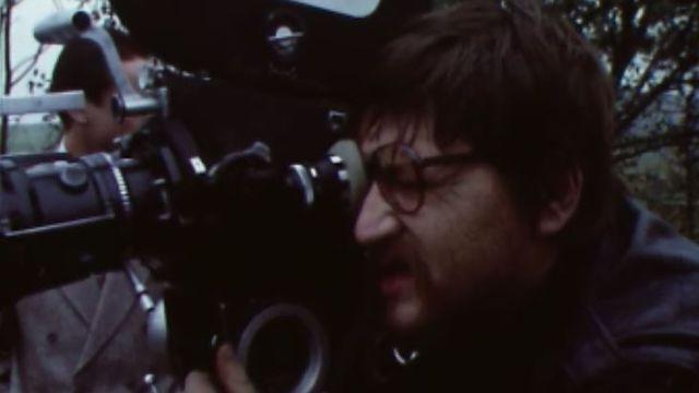 Rainer Werner Fassbinder à la caméra en 1977. [RTS]