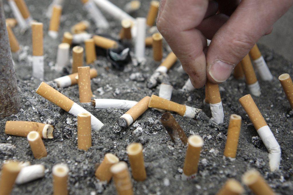 la suisse interdit la vente et l 39 importation de tabac oral comme le snus suisse. Black Bedroom Furniture Sets. Home Design Ideas