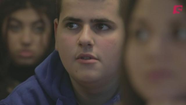 Conspi Hunter: la réaction des élèves [RTS]