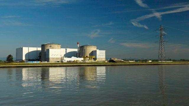 La centrale nucléaire de Fessenheim se situe à 56 km de la frontière jurassienne. [Jean Isemann - Only France/AFP]