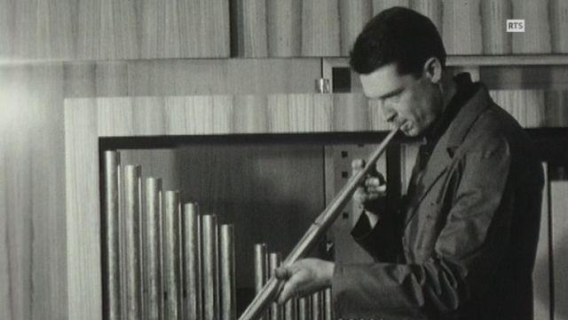 Facteur d'orgues en 1964. [RTS]