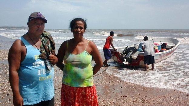 """La détresse des """"pikineras"""" et des pêcheurs de langoustes"""