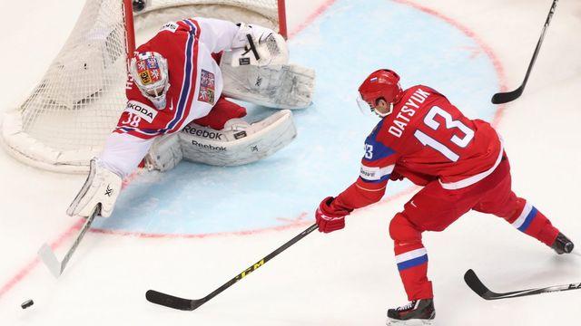 Les Russes ne sont pas parvenus à tromper la vigilance du portier tchèque Furch. [Sergei Ilnitsky - Keystone]