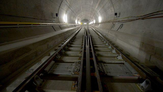 A l'intérieur du tunnel de base du Gothard. [Urs Flüeler - Keystone]