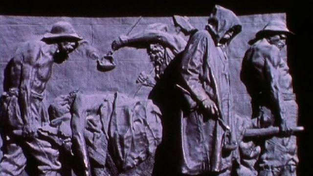 Monuments aux ouvriers morts sur le chantier du premier tunnel ferroviaire du Gothard. [RTS]