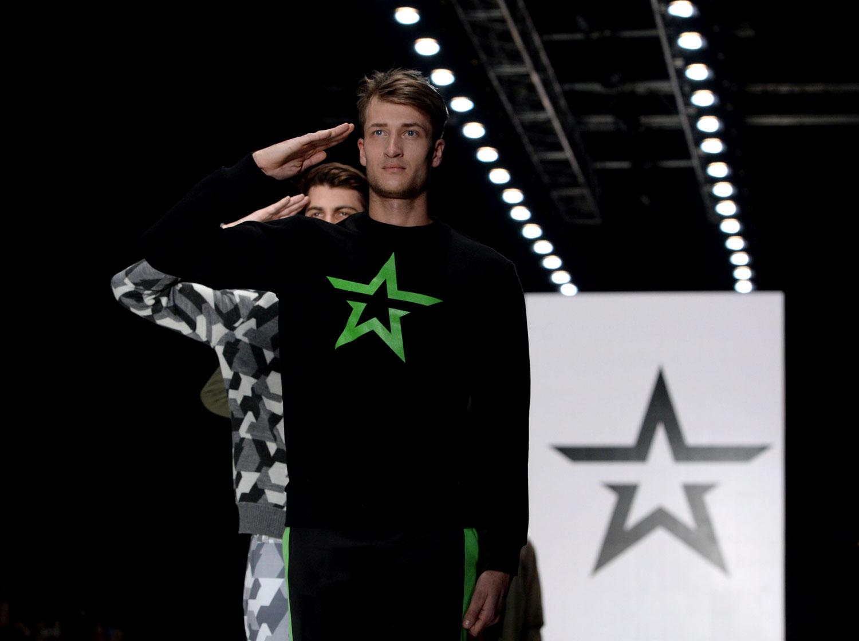 Le fabricant d\u0027armes russe Kalachnikov se lance dans la mode vestimentaire