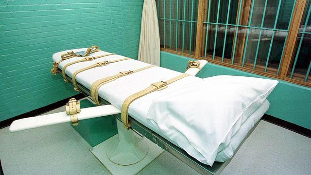 Les Etats américains qui pratiquent la peine de mort sont confrontés à une pénurie de substances létales et à une polémique autour de la souffrance que peuvent causer les injections mortelles. [Paul Buck - AFP]