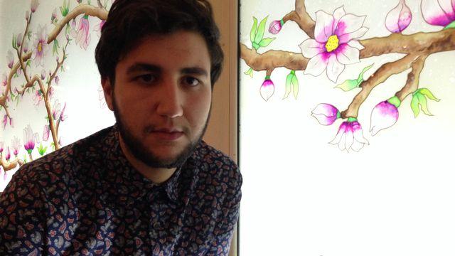 Depuis son apparition sur une chaîne nationale pour défendre la cause homosexuelle, Ahmed Ben Amor, 20 ans, a reçu plus de 300 menaces de morts. [Maurine Mercier - RTS]