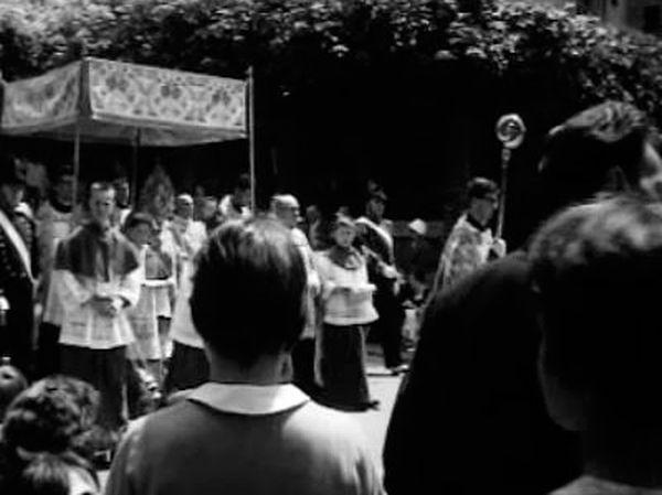 Procession de Fête-Dieu à Sion en 1960.