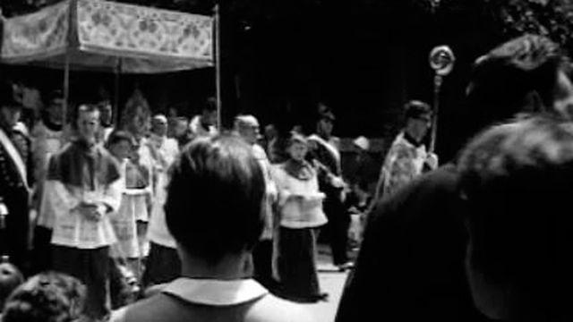 Procession de Fête-Dieu à Sion en 1960. [RTS]