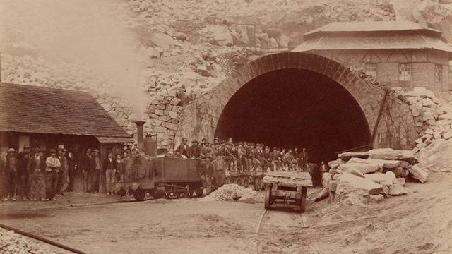 Portail nord du tunnel du Gothard, 29 juillet 1875. [Fonds CFF Historic]