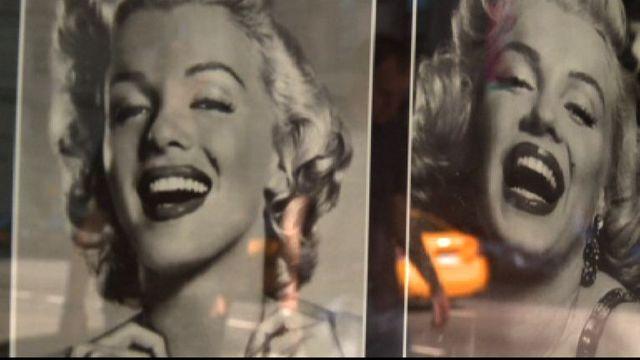 Photos de Marilyn Monroe dans rue de New York, 2003. [RTS]