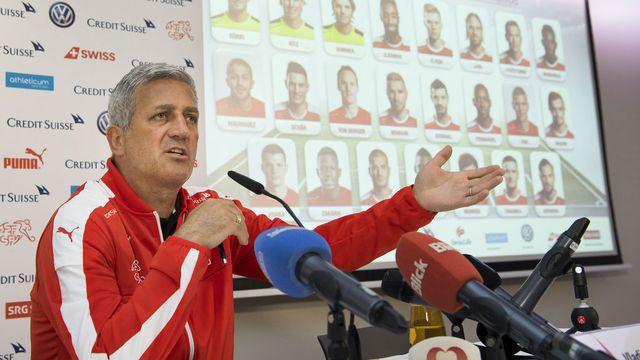 Vladimir Petkovic a présenté sa sélection lundi en fin de journée à Lugano. [Jean-Christophe Bott - Keystone]