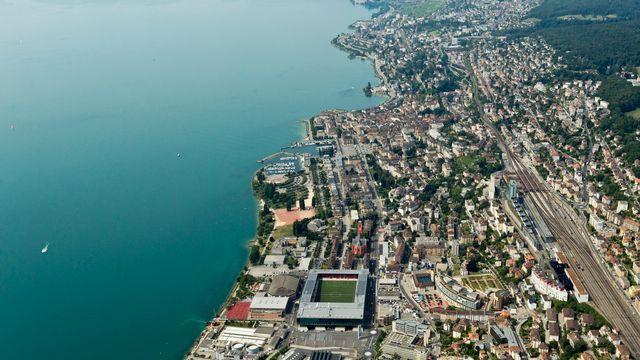 Vue aérienne de la ville de Neuchâtel. [Alessandro Della Bella - Keystone]