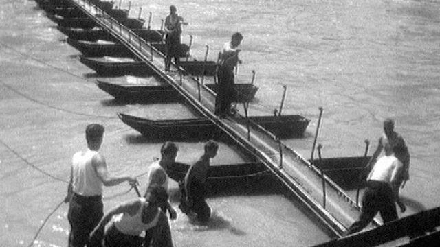 Un pont sur le Rhône [RTS]