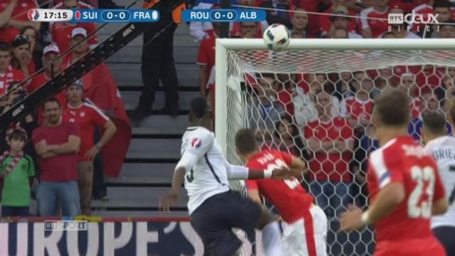Gr. A, FRA-SUI (0-0): Nouvelle transversale de Pogba qui est omniprésent dans ce début de match. [RTS]