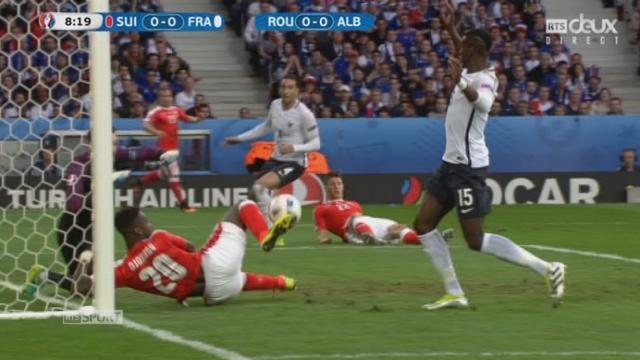 Gr. A, FRA-SUI (0-0): Djourou est tout proche d'ouvrir le score après la déviation de Fabian Schär [RTS]