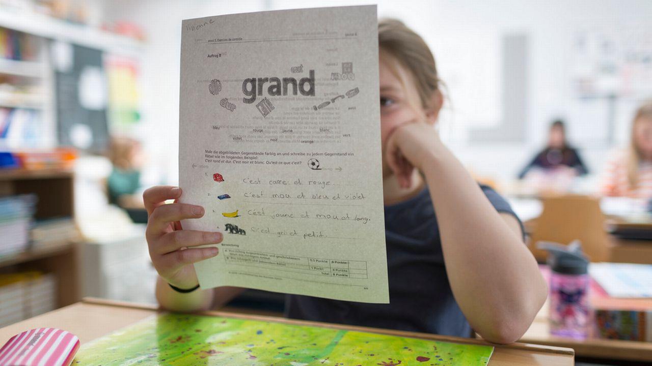 Un cours de français dans une école primaire de Suisse alémanique. [Gaetan Bally - Keystone]