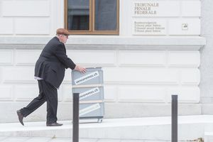 Dieter Behring se rend au Tribunal pénal fédéral de Bellinzone, le 7 juin 2016.