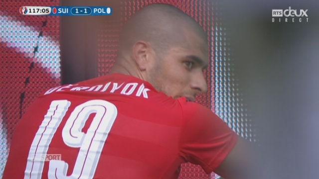 1-8, SUI-POL (1-1): Derdiyok manque le 2-1 d'un rien! Il est trop court pour reprendre un centre de Seferovic [RTS]