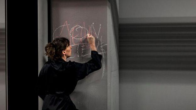"Théâtre: ""Métro 4"""
