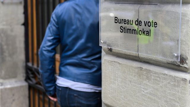 Le camp bourgeois ne présente aucune femme à l'élection au gouvernement cantonal fribourgeois. [Jean-Christophe Bott - Keystone]