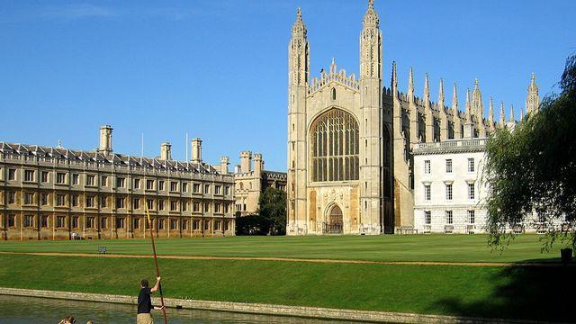 King's College Chapel et Clare College, Université de Cambridge. [Andrew Dunn - CC-BY-SA]
