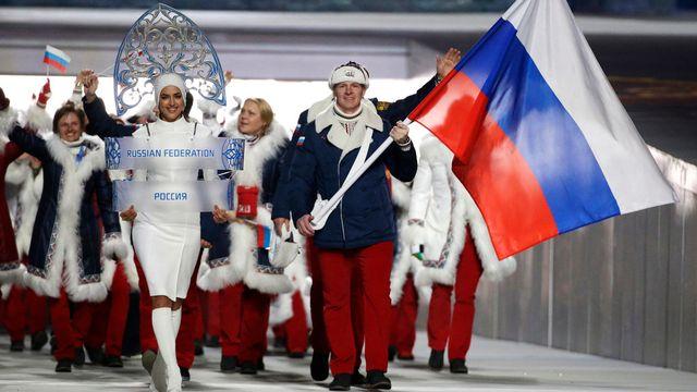 La délégation d'athlètes russes lors de la cérémonie d'ouverture des Jeux olympiques d'hiver de Sotchi. [Mark Humphrey - Keystone]
