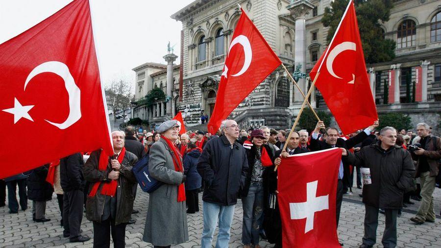 Des résidents et institutions turcs installés en Suisse subissent déjà menaces et intimidations (photo d'illustration).