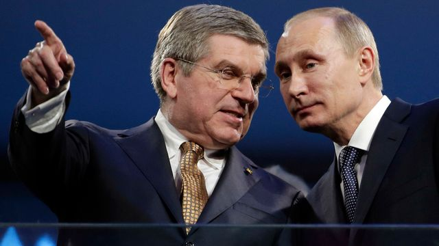 Le CIO de Thomas Bach n'a pas osé trancher et contrarier le président russe Poutine. [Charlie Riedel - Keystone]